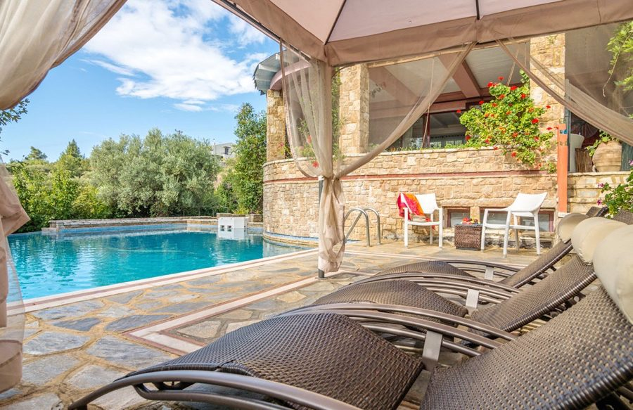 Reasons to Stay at Luxury Villas instead of Hotels in Halkidiki